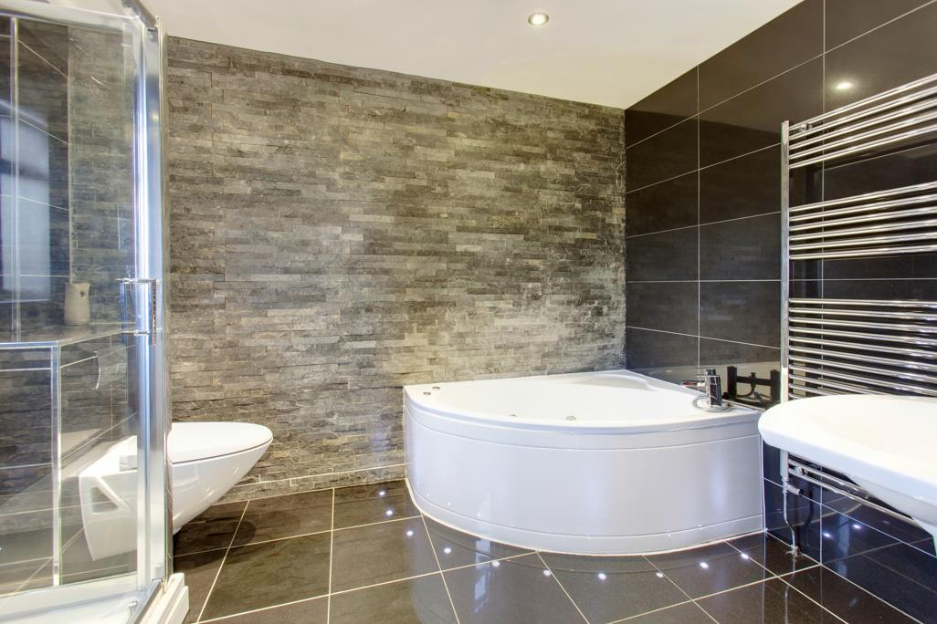 Luxury En-Suite Bathroom/WC